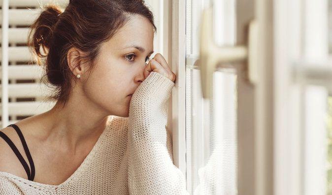 Crezi că ești bolnav, dar de fapt suferi de anxietate. Iată care sunt simptomele