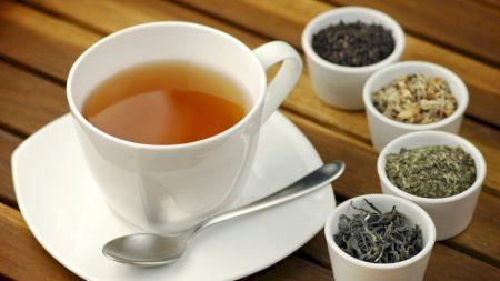 Atenție mare la ceaiul de sunătoare Vă poate îmbolnăvi - iată cum trebuie să-l beți!