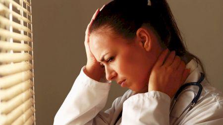 Semnal de alarmă! Dacă ai aceste simptome, nu le neglija! Mergi la medic! Poate fi vorba despre un AVC