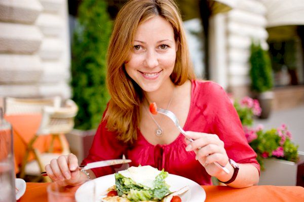 Sfatul medicului: cele 3 reguli în nutriție pentru a nu ne îngrășa și a avea un organism sănătos