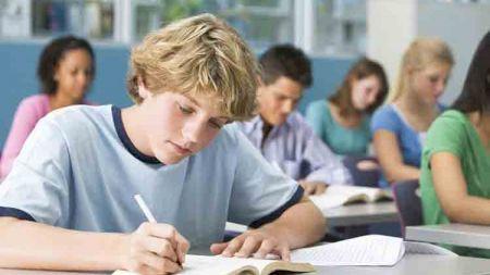 Cresc salariile pentru profesori! La ce sume frumoase vor ajunge aceștia din septembrie