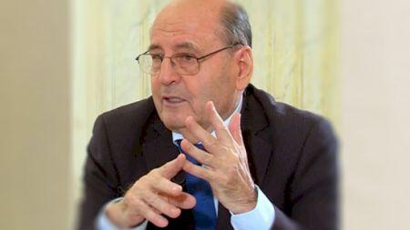Celebrul neurolog Dumitru Constantin Dulcan avertizează: Virusul nu va dispărea cu un vaccin! Inteligenţa virusului este în avantaj