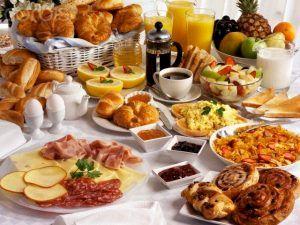 Atenție! Ce NU trebuie să mânânci dimineața! Mulți români fac această greșeală
