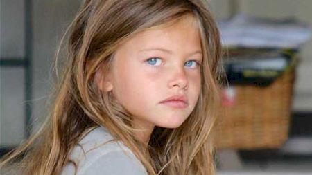 Schimbare totală! Tânăra care a luat titlul de 'cea mai frumoasă fetiță din lume' e de nerecunoscut după 12 ani