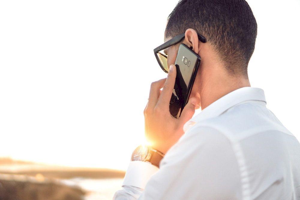 Am fost păcăliți! Veste șoc pentru românii cu telefon mobil: Este oficial
