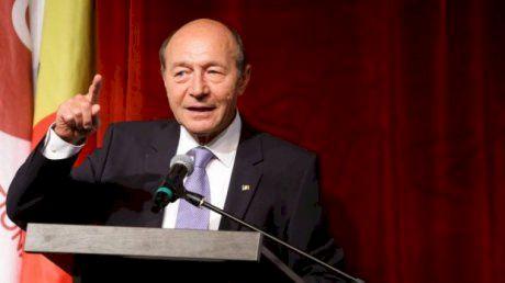 Marele secret al lui Traian Băsescu! Ce poreclă avea și cui îi făcea curte în liceu