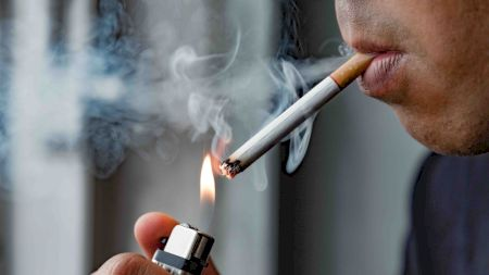 Fără precedent! Locuitorii acestei țări nu mai au voie să fumeze în casă! Ce amendă riscă