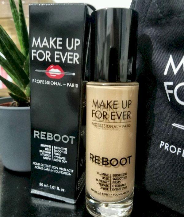 Review. Fond de ten Make Up For Ever Reboot de la Sephora! La ce să vă așteptați de la el