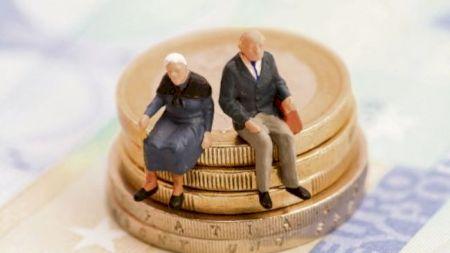 Se majorează pensiile pentru mii de români! Cine va primi mai mulți bani de anul viitor