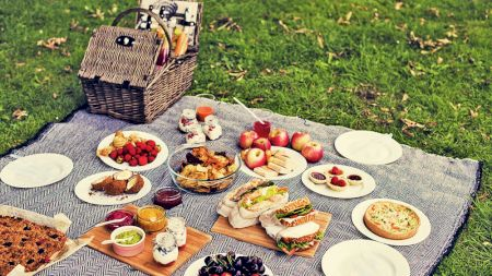 Mare atenție! Ce nu mai ai voie să folosești când mergi la picnic: Amenzile sunt uriașe