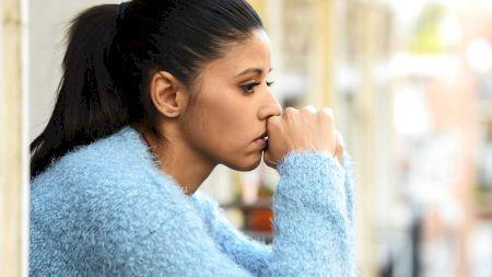 Boala de care suferă aproape 70% din populație fără să știe. Ce este nomofobia