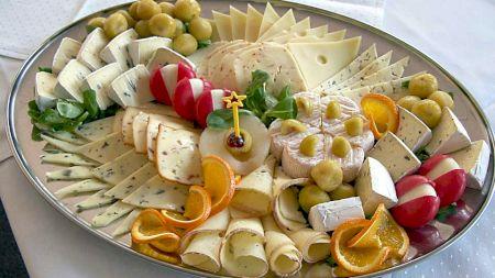 Nutriționistul Mihaela Bilic: Ce efecte are asupra inimii acest tip de brânză