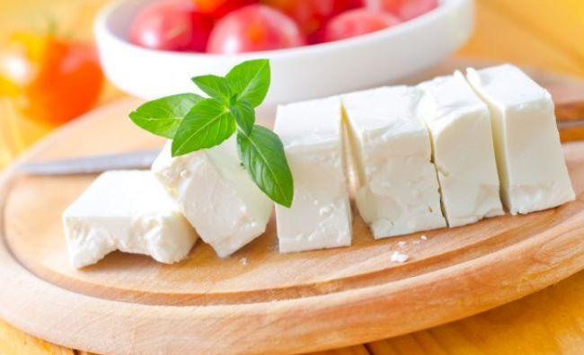Atenție consumatori! Credeți că mâncați brânză? De fapt este un produs toxic, îmbibat cu soluție de dezgheț! Cum recunoașteți brânza autentică. Este un test simpu