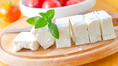 Atenție! Suntem otrăviți cu brânză cu fecale! Cum vă dați seama că produsul este unul care vă crea probleme în organism