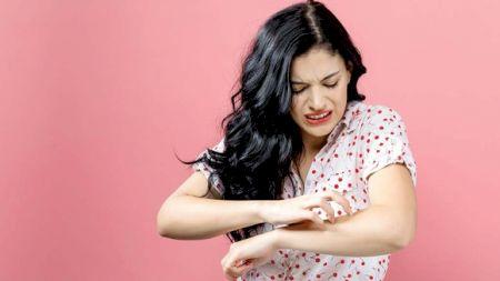 Eczemele, marea problemă din anotimpul rece! Cum scăpăm de ele și ce tratamente trebuie să urmăm