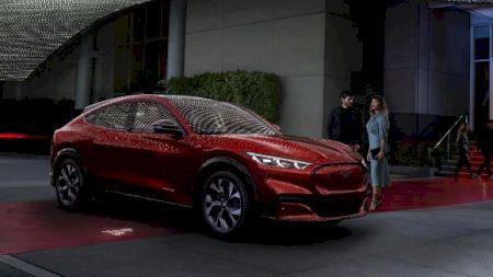 Ford a lansat un nou model care face deja furori pe piață! Cât costă și de ce se tem Tesla și Elon Musk