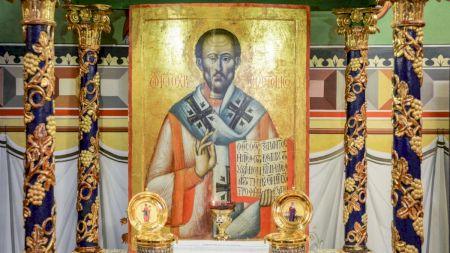 Astăzi este o sărbătoare foarte mare! Ce este intezis să faci în această zi sfântă când îl sărbătorim pe Sfântul Ioan Gură de Aur