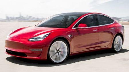Elon Musk dă o lovitură neașteptată englezilor! Unde va construi Tesla Gigafactory Europe