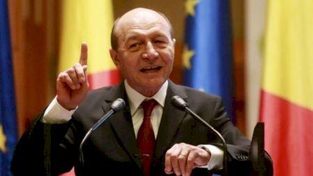 """Traian Băsescu, show total la RTV:  """"Nu puteți rezista mai mult de 50 de minute fără să deveniți porc"""". Au urmat replici și mai acide"""