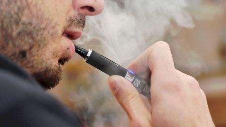 Medicii au fost șocați: Nu am mai văzut așa ceva! Dezastrul lăsat în plămâni de țigările electronice