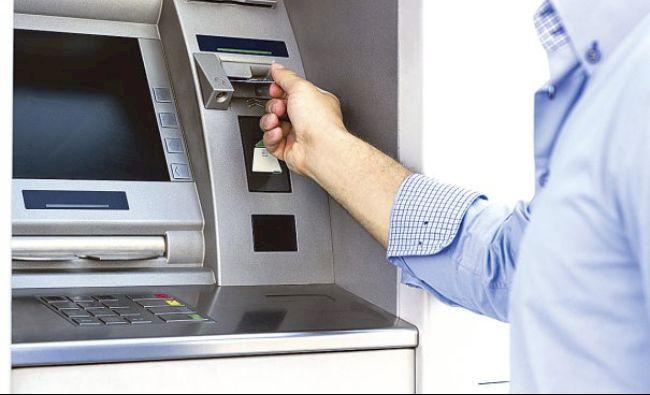 Anunț cumplit pentru cei care au cont la bancă! Poți rămâne rapid fără banii de pe card