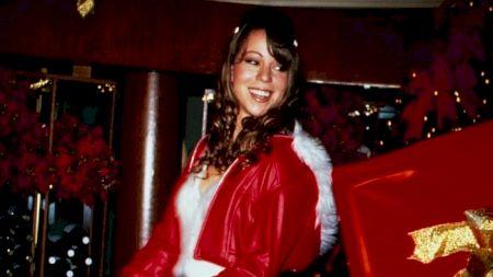 Melodia care ajunge numărul 1 în topuri la 25 de ani de la lansare! Suma astronomică pe care a câștigat-o Mariah Carey datorită acestei piese