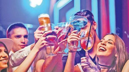 Ai baut prea mult alcool? Leacurile care te scapa de probleme si mahmureala