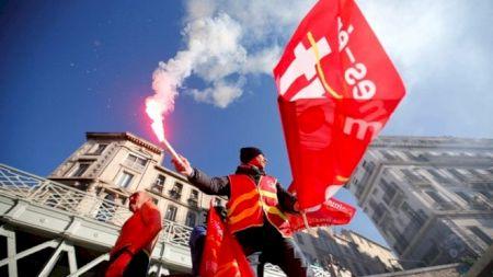 Proteste în Franța: Manifestăriîn masă din cauza pensiilor