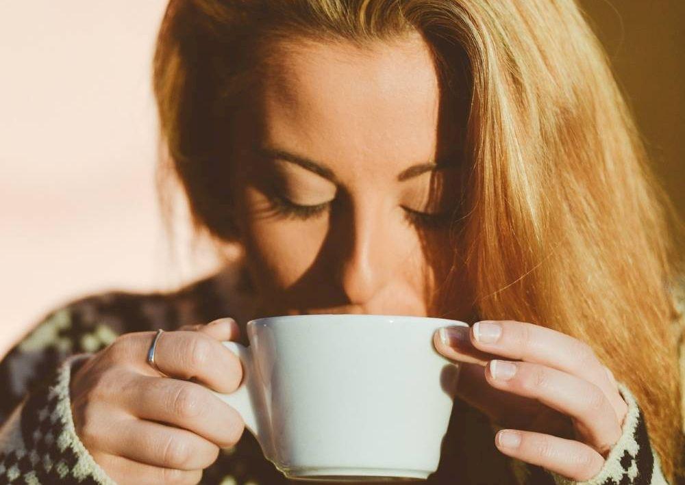 Ceaiuri de băut imediat după masa de Paşte pentru o digestie ușoară! Soluții salvatoare, la îndemână