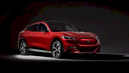 Ford își distruge concurența! Noul model electric are vânzări record: Cum arată și cât costă Mustangul