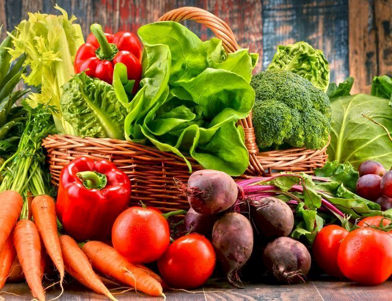 Nu mâncați deloc această legumă dacă vreți să slăbiți! Ce fructe sunt complet interzise în diete