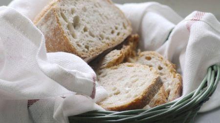 Nu mai cumpărați acest tip de pâine! Poate provoca mai multe forme de cancer. S-a dovedit știițific. Ce alte alimente mai sunt pe lista neagră