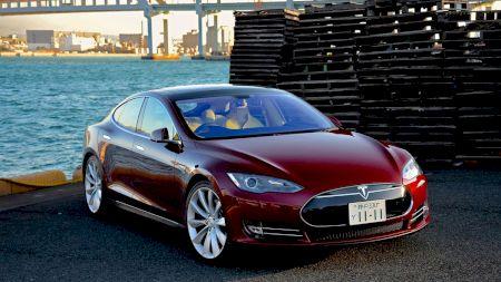 Revoluție pe piața auto! Cum își doboară Tesla concurența: Mașina care va domina lumea