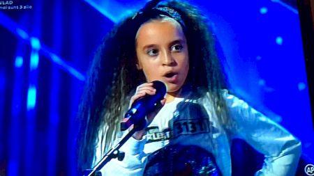 Reprezentație incredibilă la Românii au talent! Cine este fetița de 12 ani care a ridicat toată sala în picioare