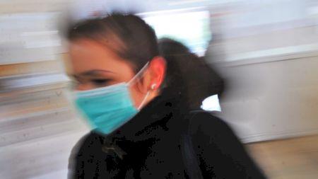 Adevărul despre măștile chirurgicale! Ce spun medicii din România
