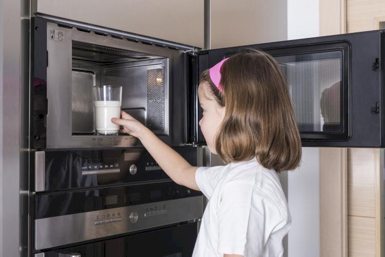 Toți facem această greșeală! Nu mai folosiți acest aparat din bucătărie. Este periculos