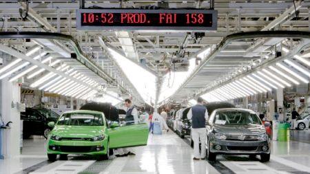 Fabrica Volkswagen din Portugalia își va reduce producția cu 16% datorită epidemiei de coronavirus