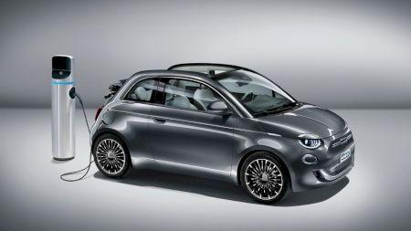 Fiat 500 Electric: elegantul vehicul electric are parte de o nouă față pentru 2020