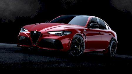 Alfa Romeo dezvăluie noile modele de performanță Giulia Quadrifoglio GTA& GTAm
