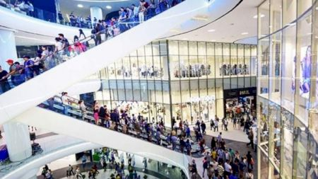 Mall-urile încep să se închidă! S-au luat deja primele măsuri