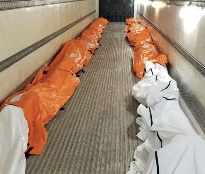 În ce îi îngroapă pe cei care mor din cauza coronavirusului? Cum arată sicriul în care sunt puși