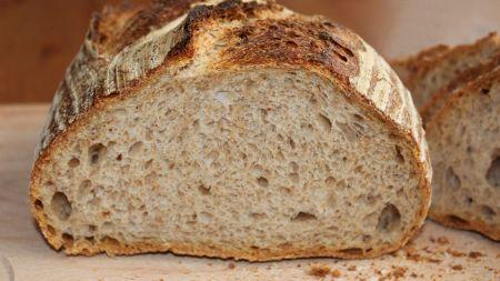 Toți cei care consumă pâine în plină epidemie de coronavirus sunt păcăliți! Un medic spune adevărul