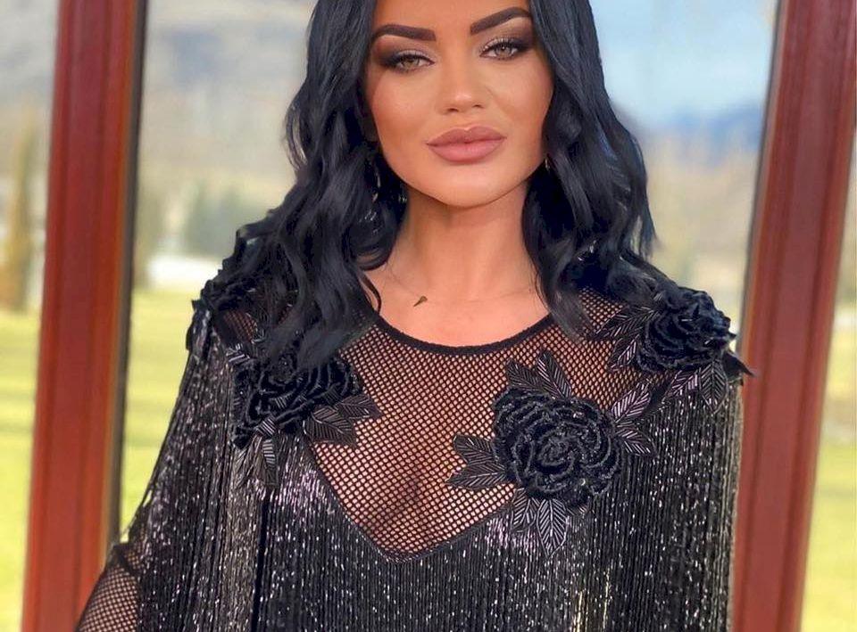 Surpriză de proporții! Vedeta Kanal D care s-a apucat să cânte manele și a detronat-o pe Carmen de la Sălciua! Cine este noua regină a Youtube-ului