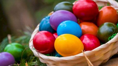 Ai vopsit ouăle cu această vopsea? Care e cea mai periculoasă și ce conțin unele plicuri