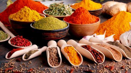 Elixir pentru sănătate: Condimentul din bucătărie care te ajută să slăbești și te scapă de o mulțime de boli. Cu ce trebuie amestecat?