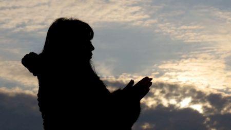 Cea mai puternică rugăciune: cum atragi iubirea în viața ta! Trebuie rostită timp de 40 de zile
