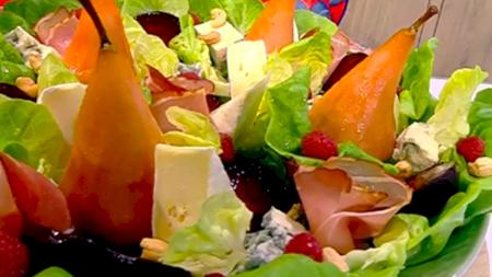 Rețeta pentru cea mai bună salată de vară! Conține pere caramelizate și este delicioasă