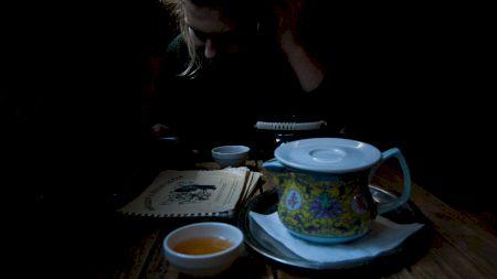 Cele mai bune ceaiuri împotriva anxietății: Elimină stresul și îți oferă o stare de relaxare