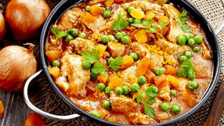 Rețetă: Cea mai delicioasă mâncare de mazăre cu pui! Condimentul cu care obții un gust deosebit