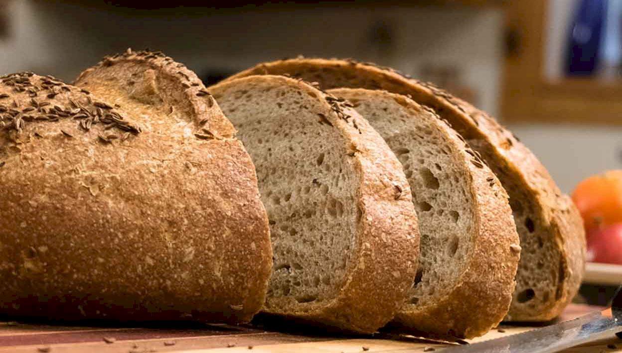 Se poate transmite coronavirusul prin pâinea neambalată? Un nou studiu crează panică. Explicația autorităților